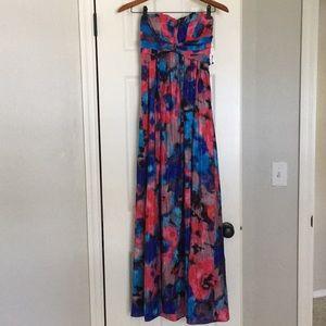 NWT Jessica Simpson strapless maxi dress